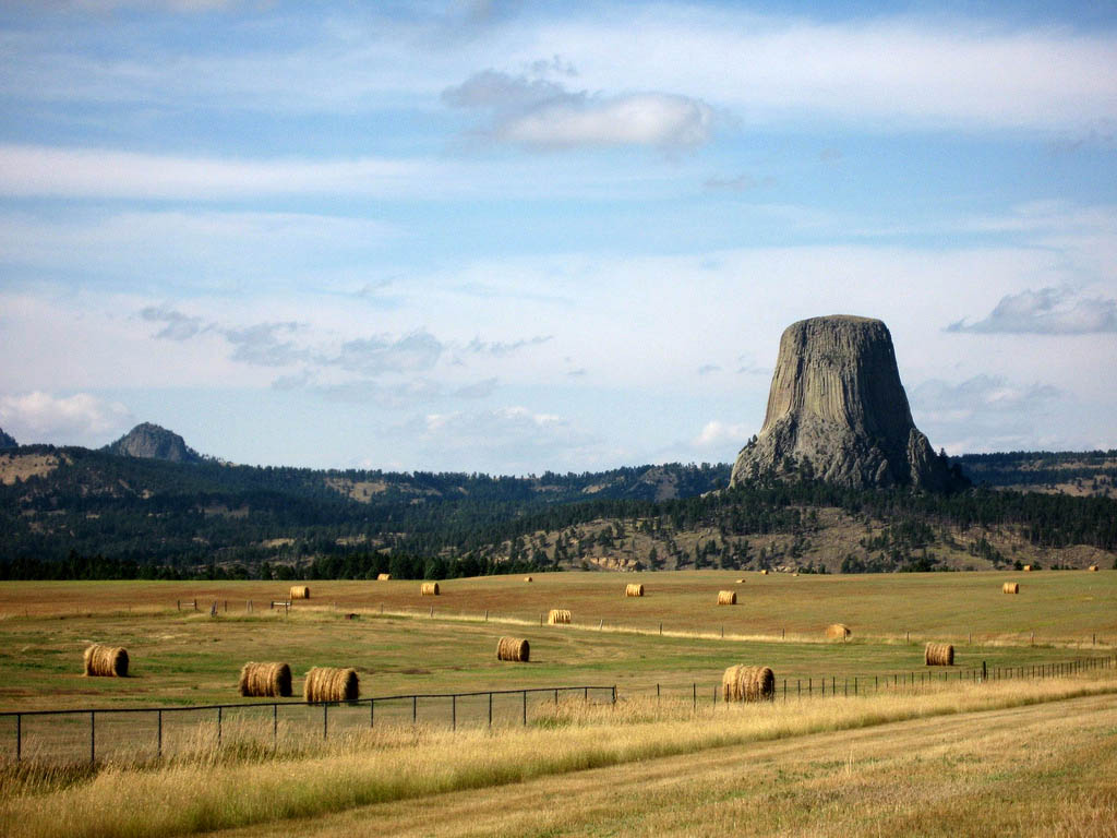 devils tower3 Devils Tower National Monument in Northeast Wyoming