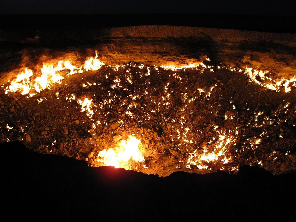 darvaza2 The Door to Hell in Darvaza aka Gas Crater