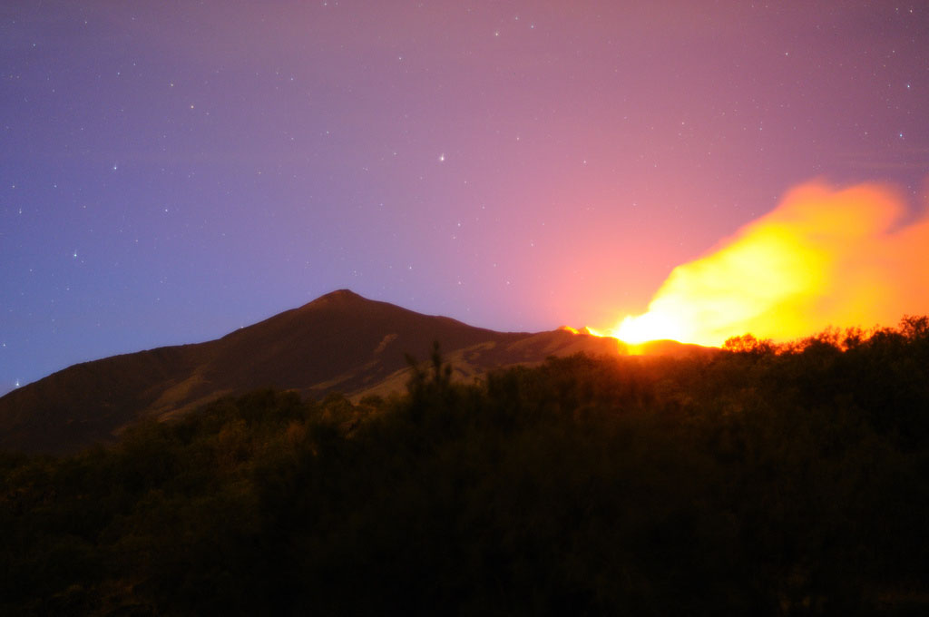 mt etna eruption7 Etna Volcano Eruption 2011