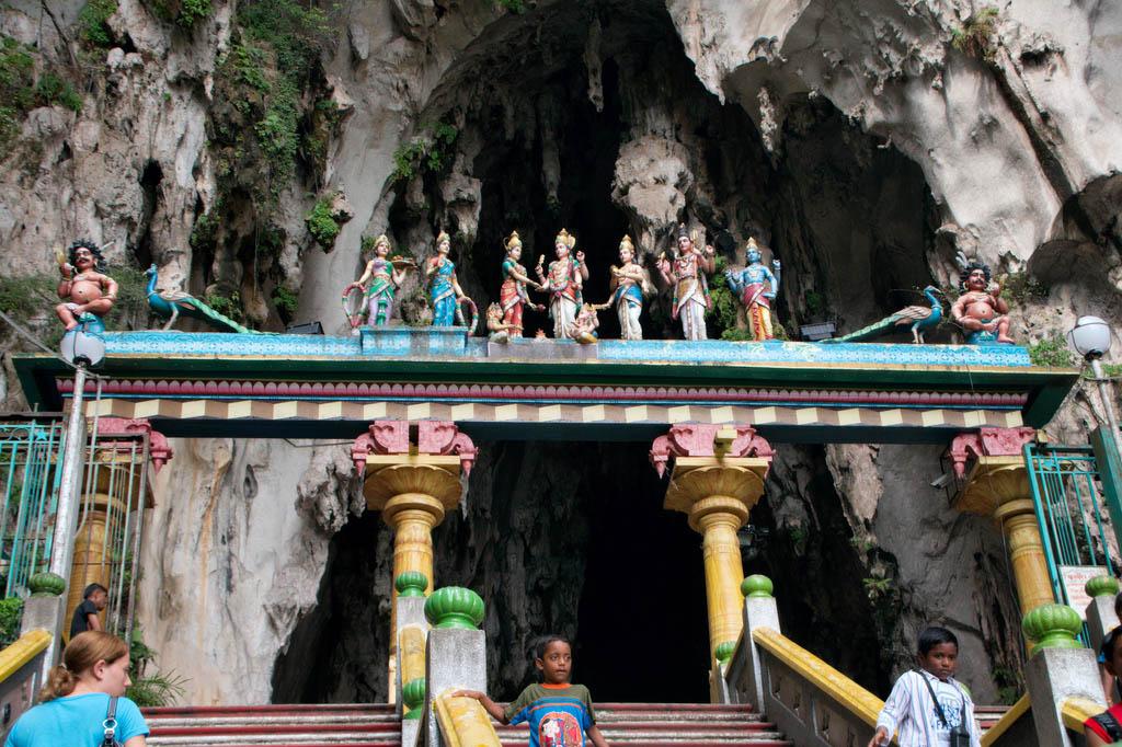 batu caves5 The Magnificent Batu Caves in Kuala Lumpur, Malaysia