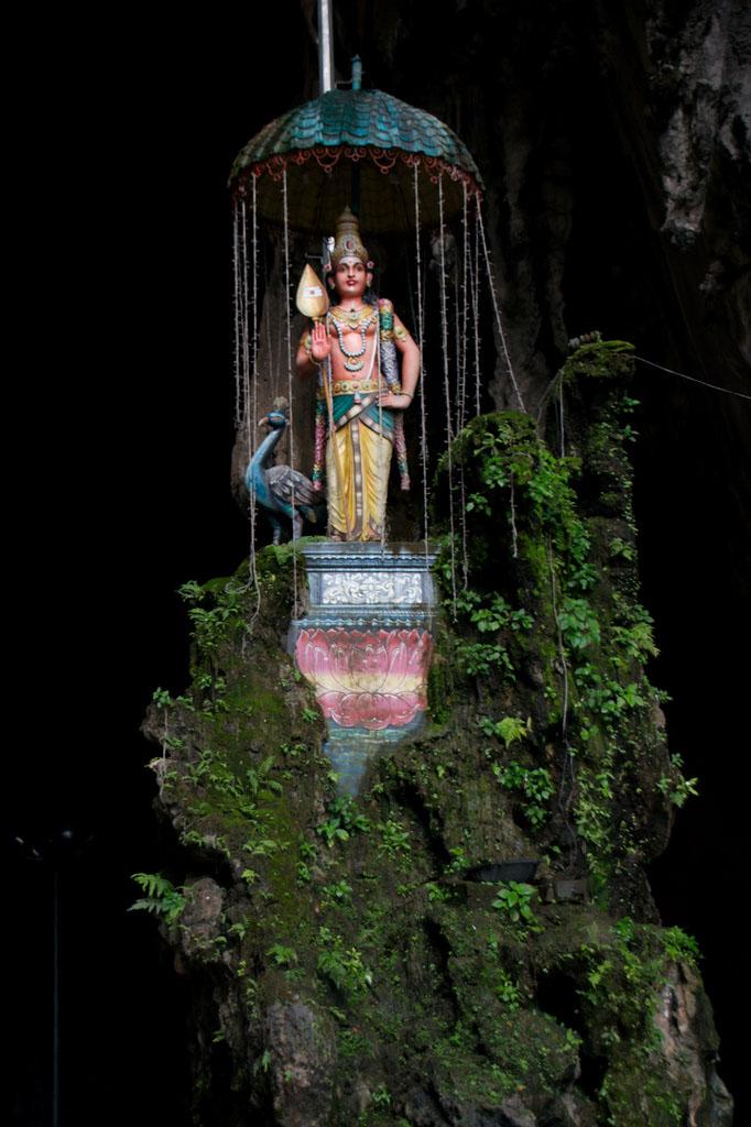batu caves8 The Magnificent Batu Caves in Kuala Lumpur, Malaysia