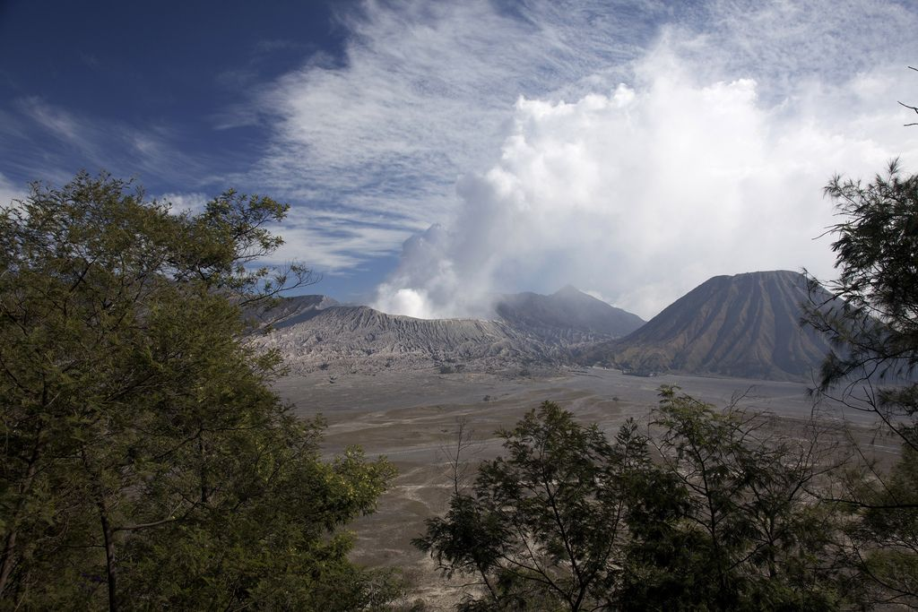 mount bromo1 The Magnificent Mount Bromo Volcano