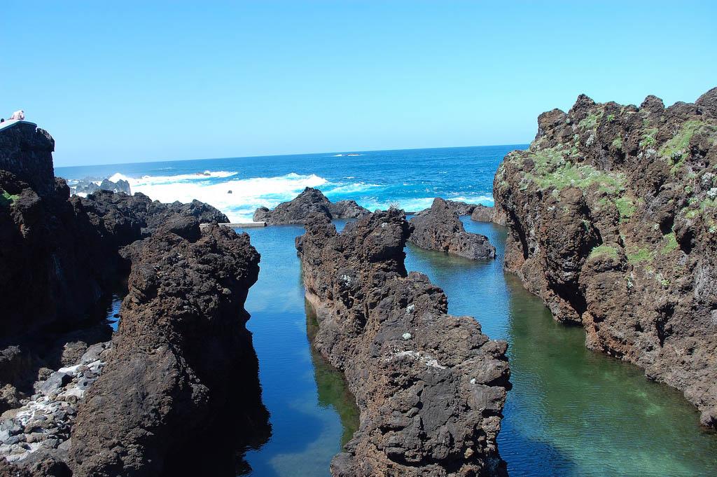 rock pool5 Most Attractive Rock Pools near Porto Moniz in Madeira, Portugal