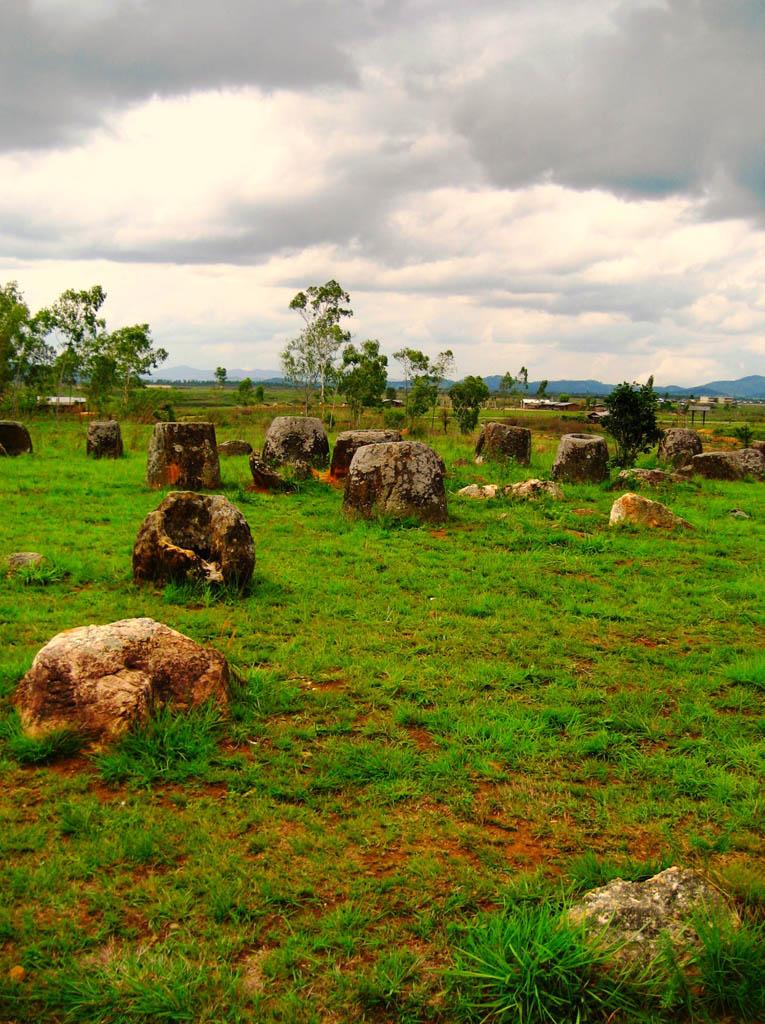 plain jars2 Mysterious Plain of Jars in Laos