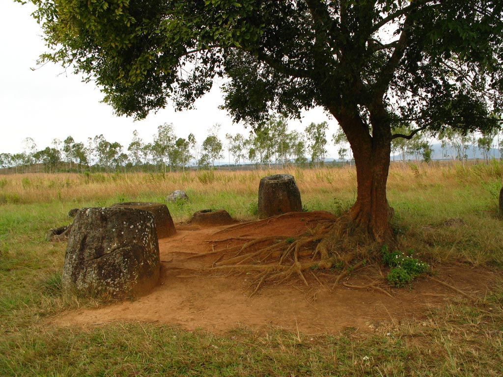 plain jars6 Mysterious Plain of Jars in Laos