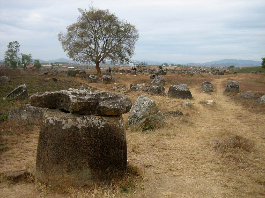 plain jars7 Mysterious Plain of Jars in Laos