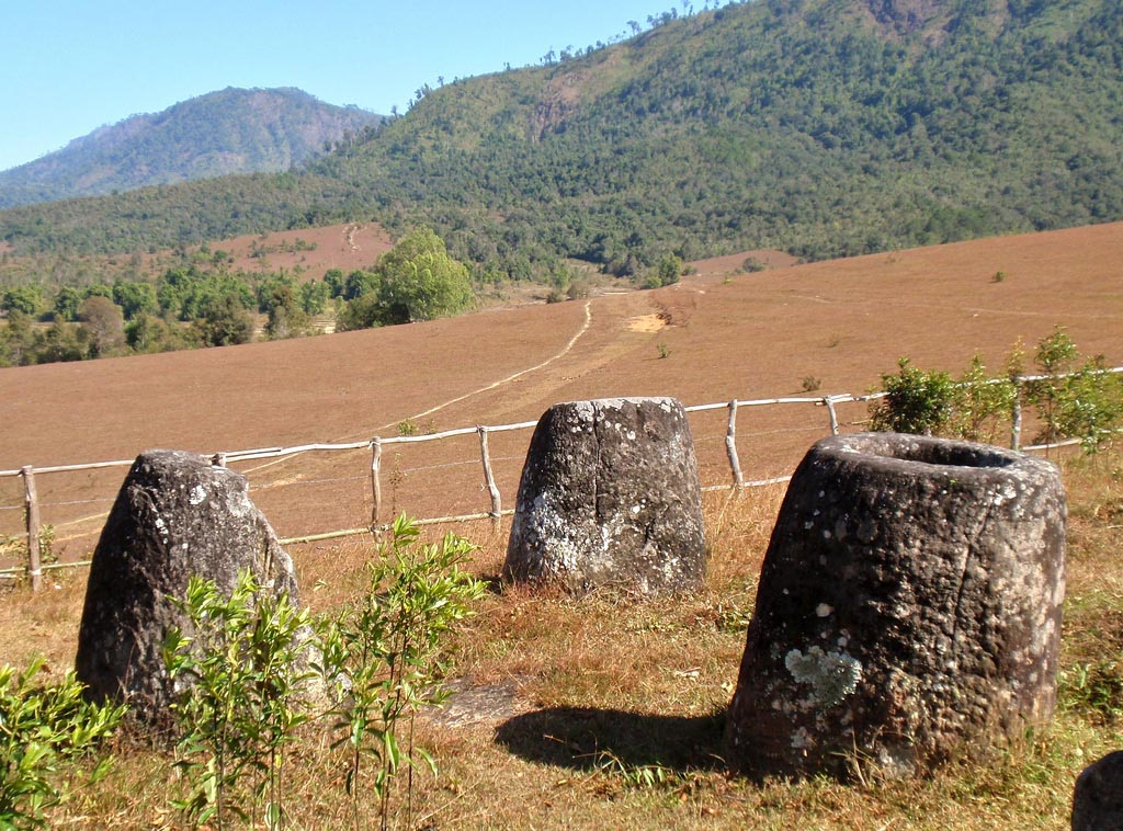 plain jars8 Mysterious Plain of Jars in Laos
