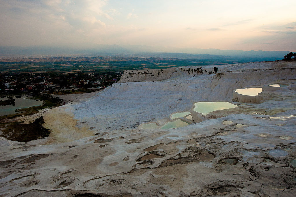 pamukkale5 Sunset in Pamukkale Travertine Terraces, Turkey
