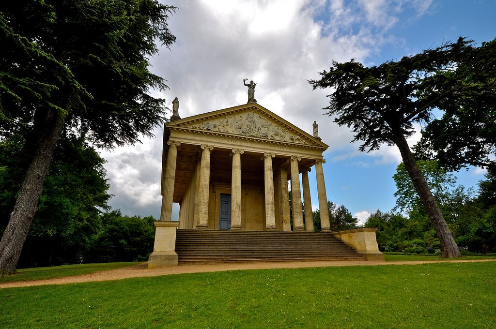 gardens stowe The Temple of Concord and Victory at Stowe Park