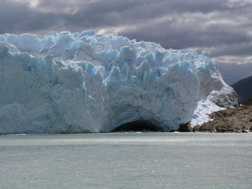glaciar perito moreno10 Tour to an Enormous Perito Moreno Glacier