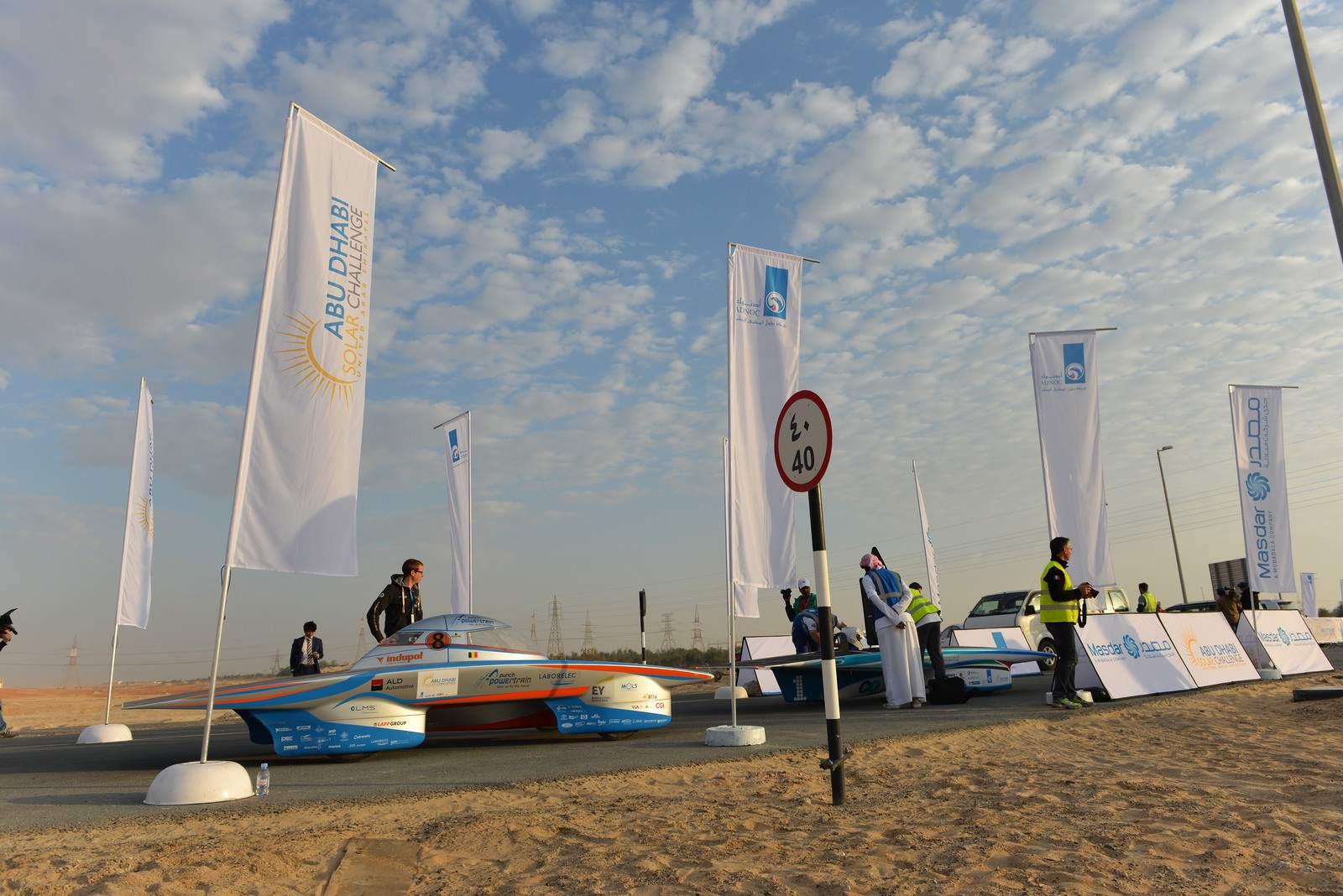 solar challenge12 Abu Dhabi Solar Challenge   Victory for Michigan University Team