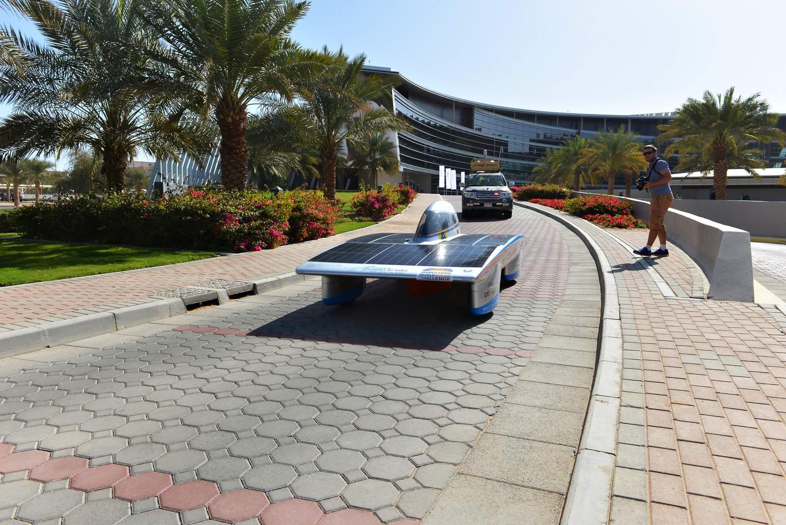 solar challenge8 Abu Dhabi Solar Challenge   Victory for Michigan University Team