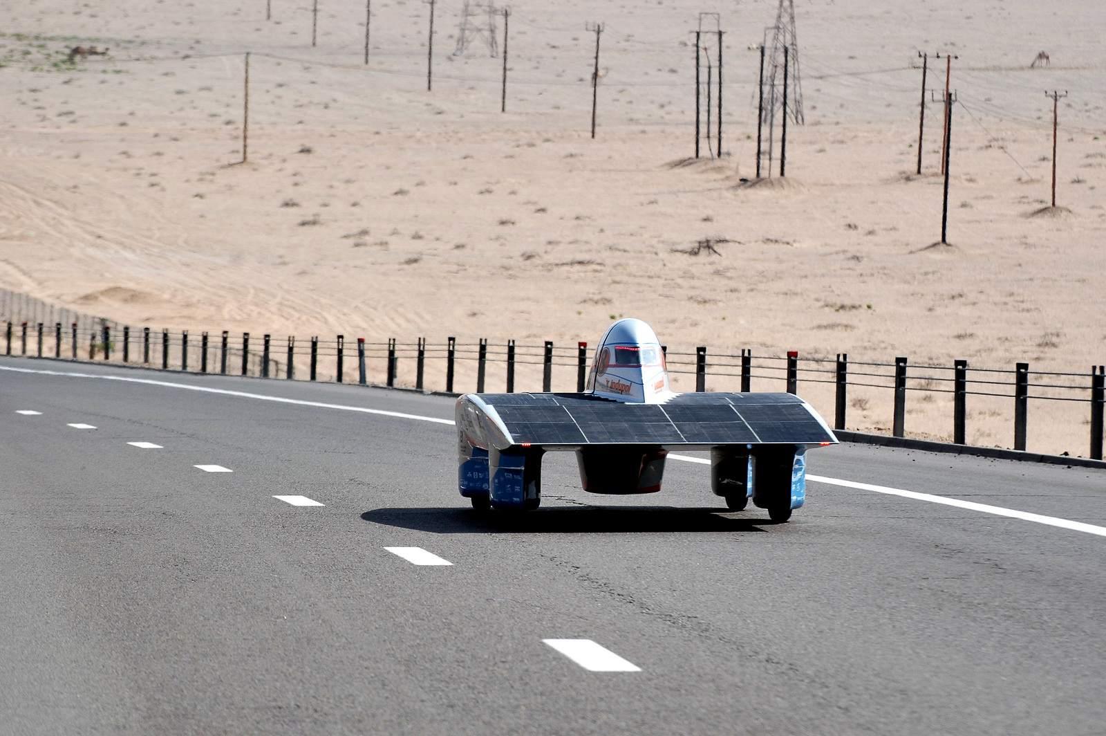 solar challenge9 Abu Dhabi Solar Challenge   Victory for Michigan University Team