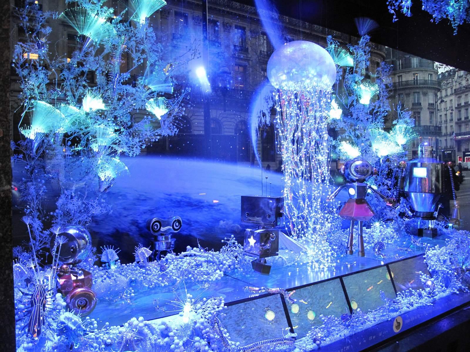 vitrines noel Christmas window displays in Paris