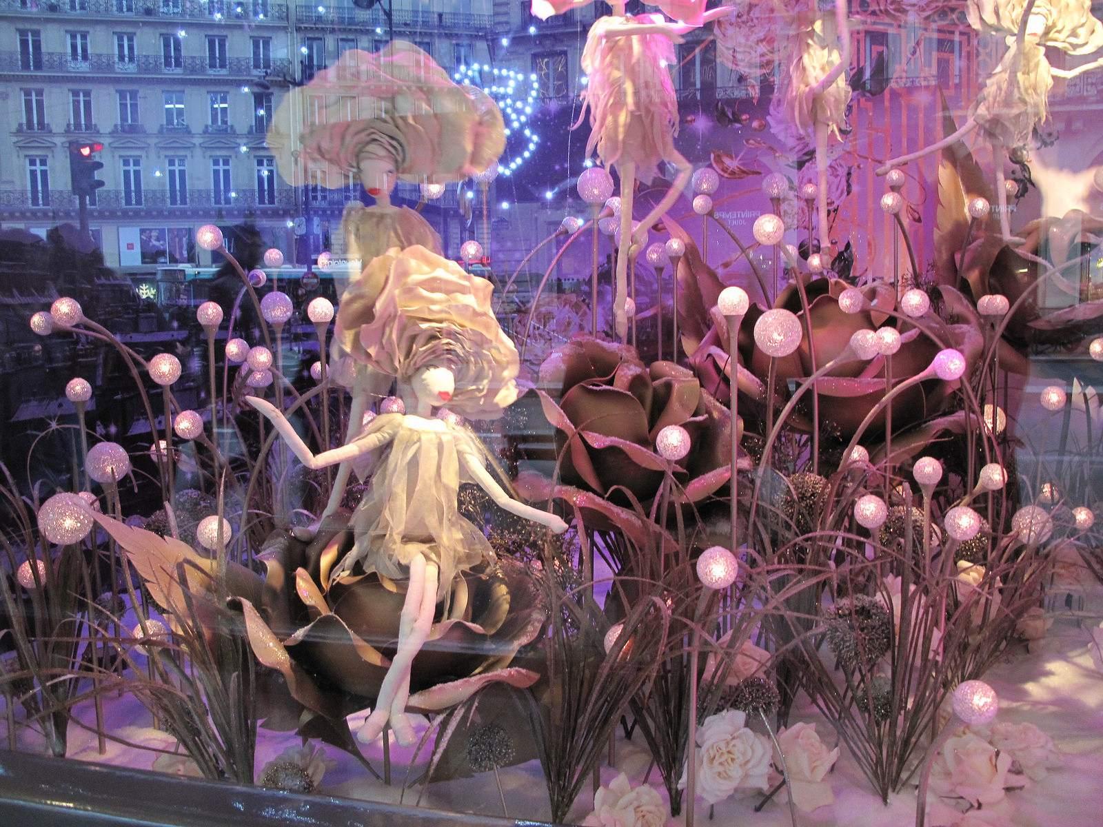 vitrines noel11 Christmas window displays in Paris