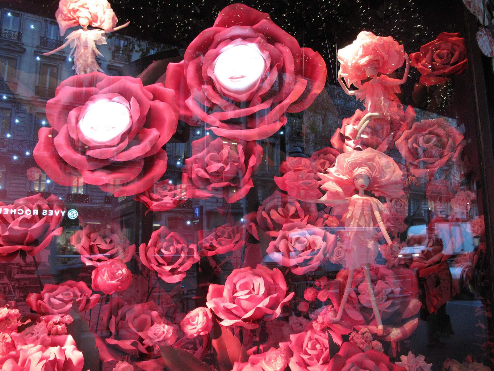 vitrines noel4 Christmas window displays in Paris