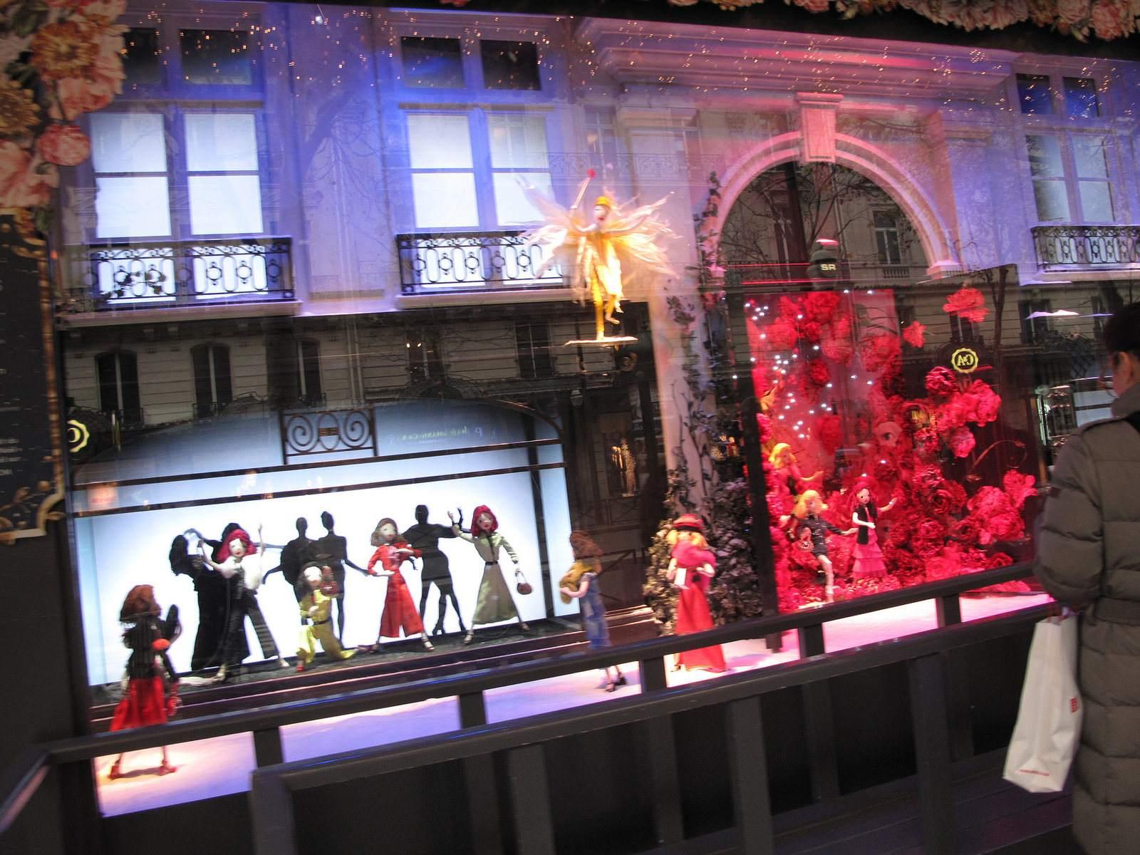 vitrines noel5 Christmas window displays in Paris
