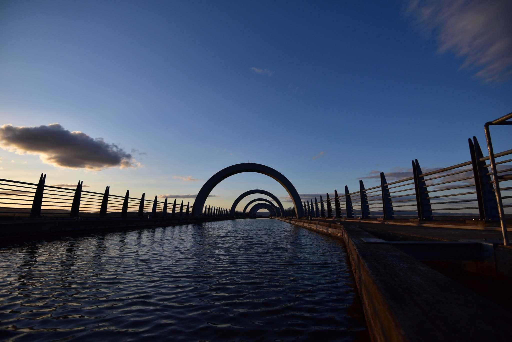 falkirk wheel8 The Falkirk Wheel   Rotating Boat Lift in Scotland