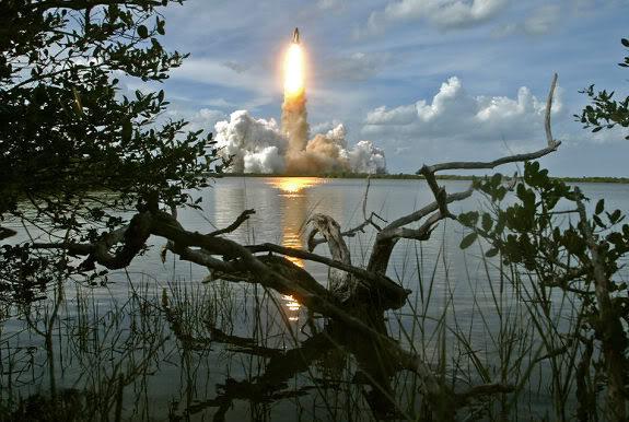 space shuttle12 Good Bye, NASA Space Shuttles