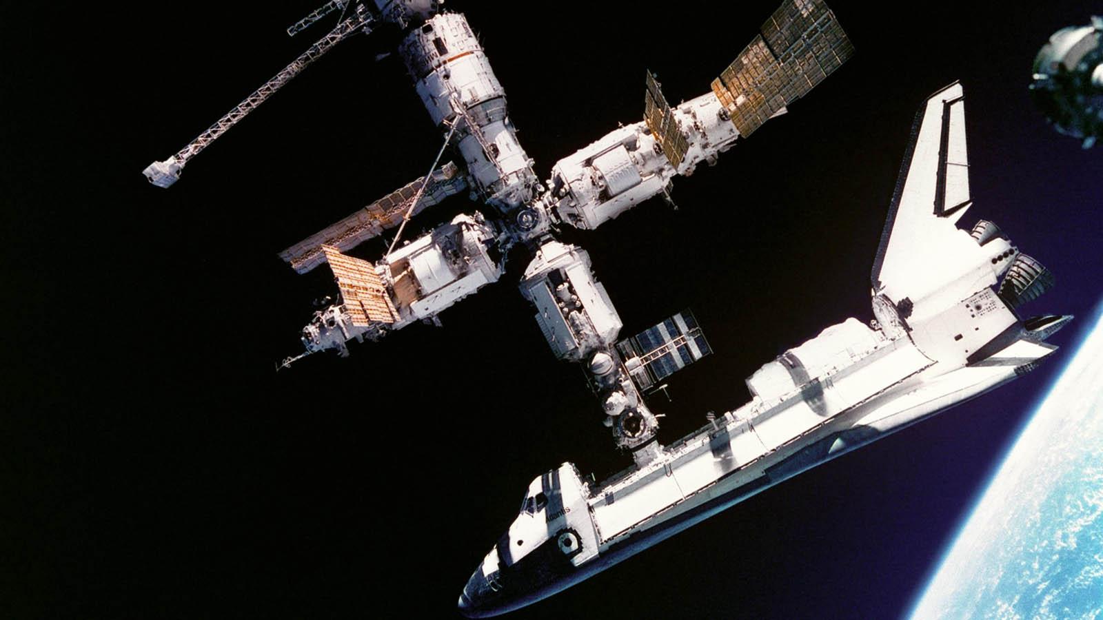 space shuttle2 Good Bye, NASA Space Shuttles