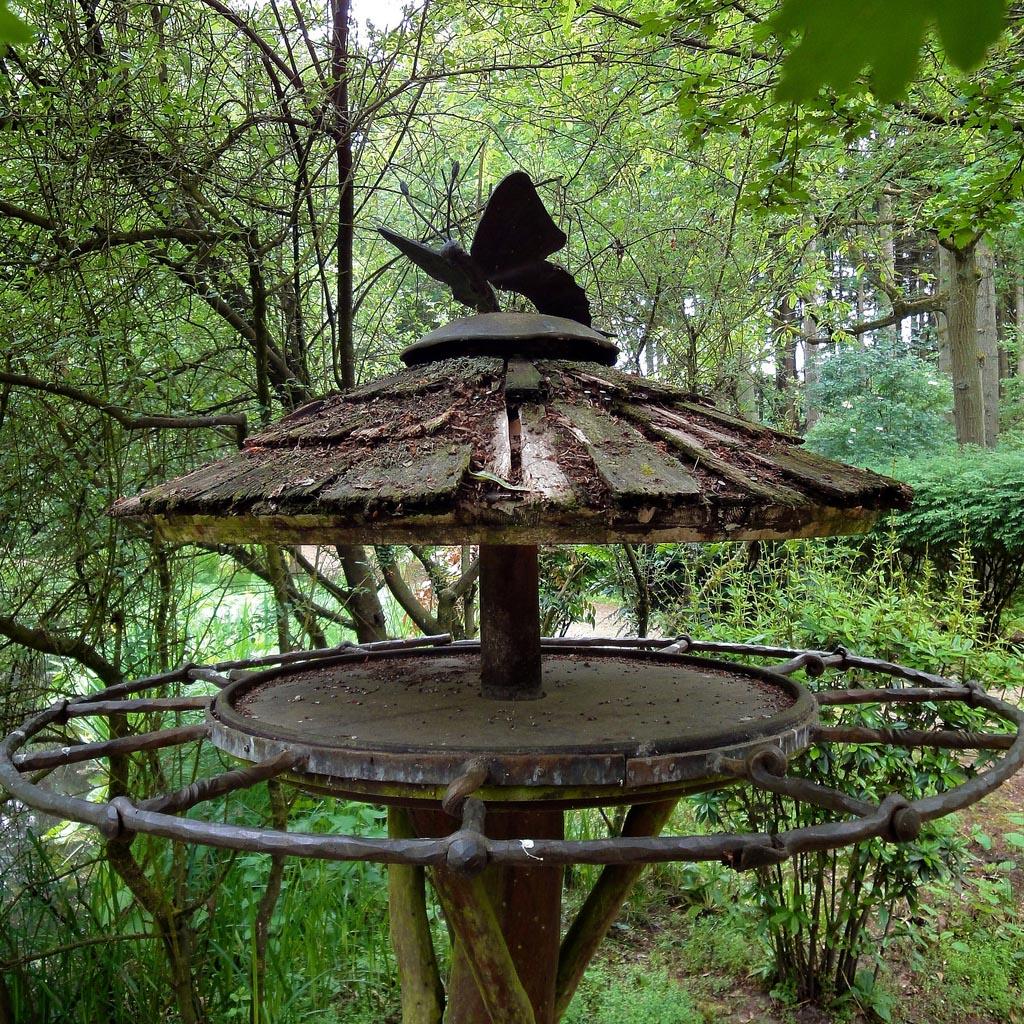 bird house12 Smarten Up Your Garden with Stylish Bird House