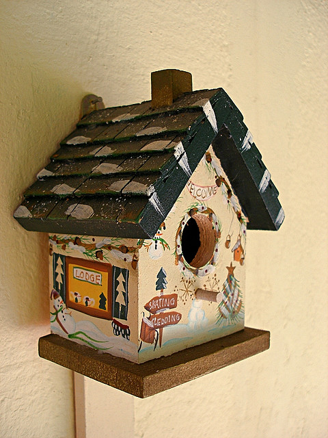 bird house13 Smarten Up Your Garden with Stylish Bird House
