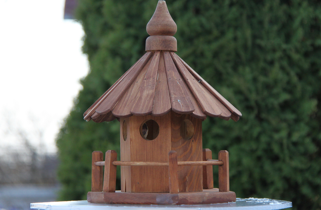 bird house15 Smarten Up Your Garden with Stylish Bird House