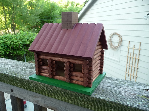 bird house5 Smarten Up Your Garden with Stylish Bird House