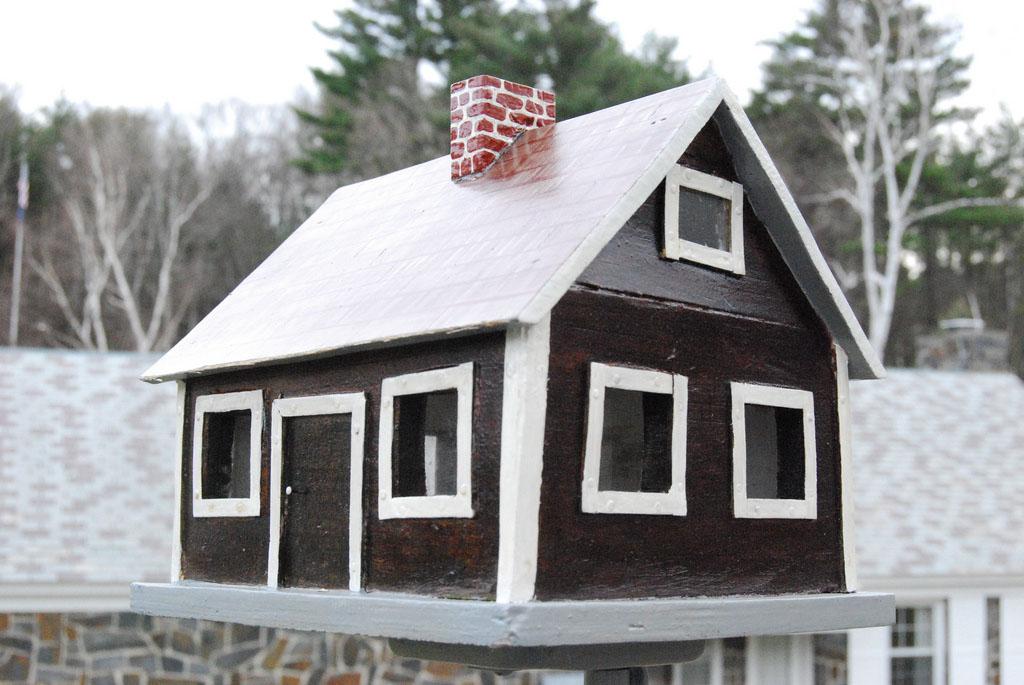 bird house7 Smarten Up Your Garden with Stylish Bird House