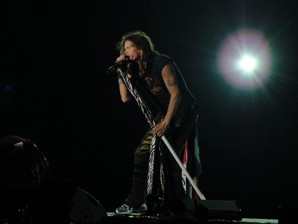 steven tyler7 How Old is Steven Tyler from Aerosmith ?