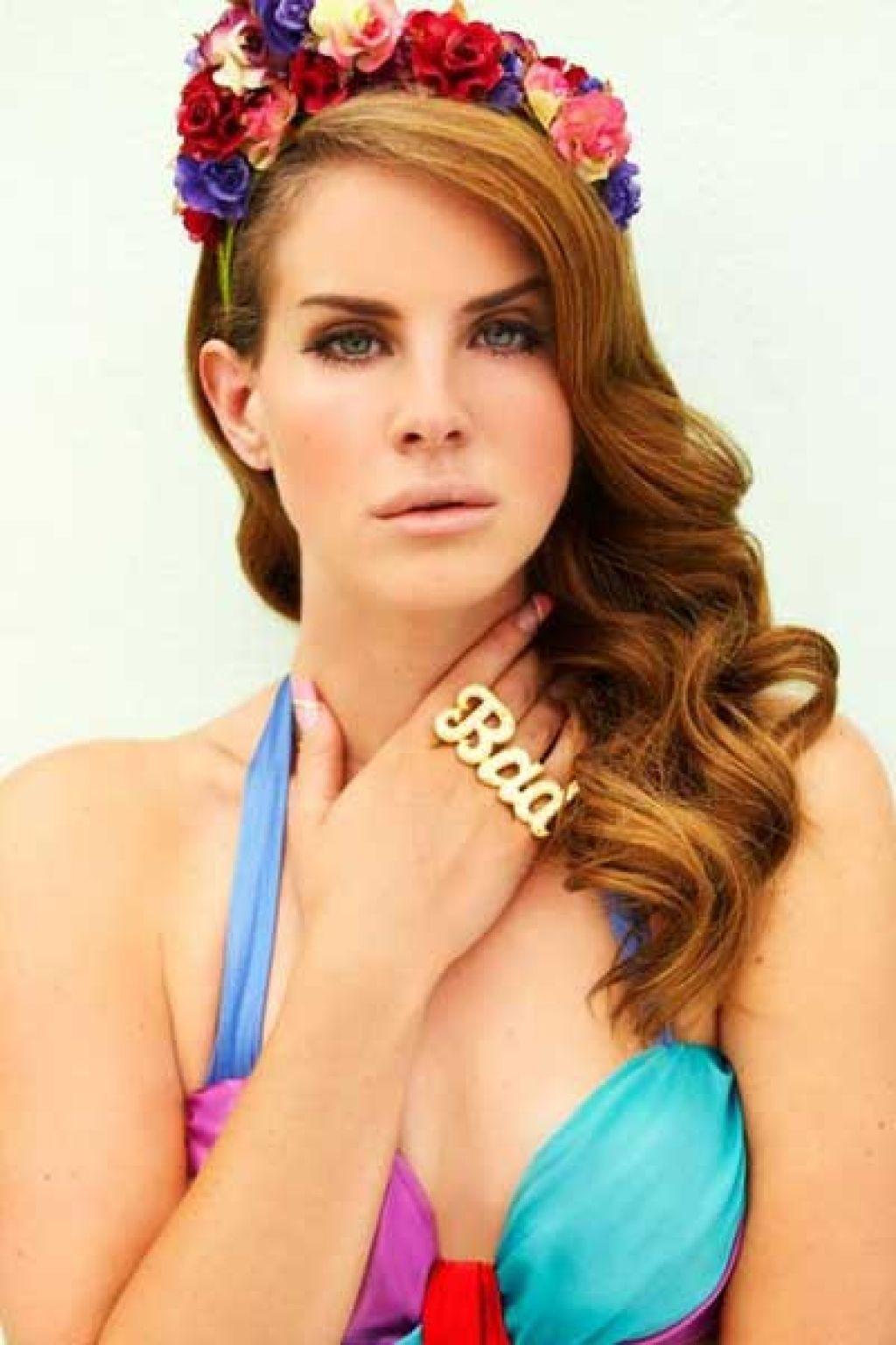 lana del rey bio5 Modern Diva Lana del Rey