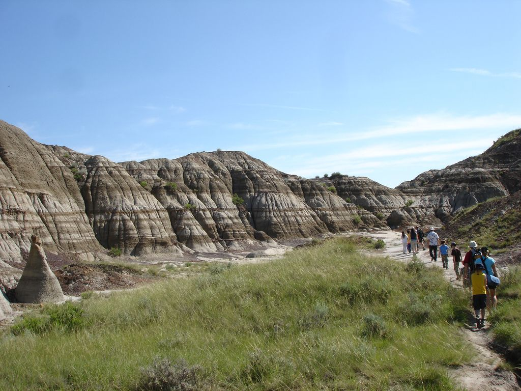 dinosaur provincial park12 Dinosaur Provincial Park   The Richest Dinosaur Fossil Site