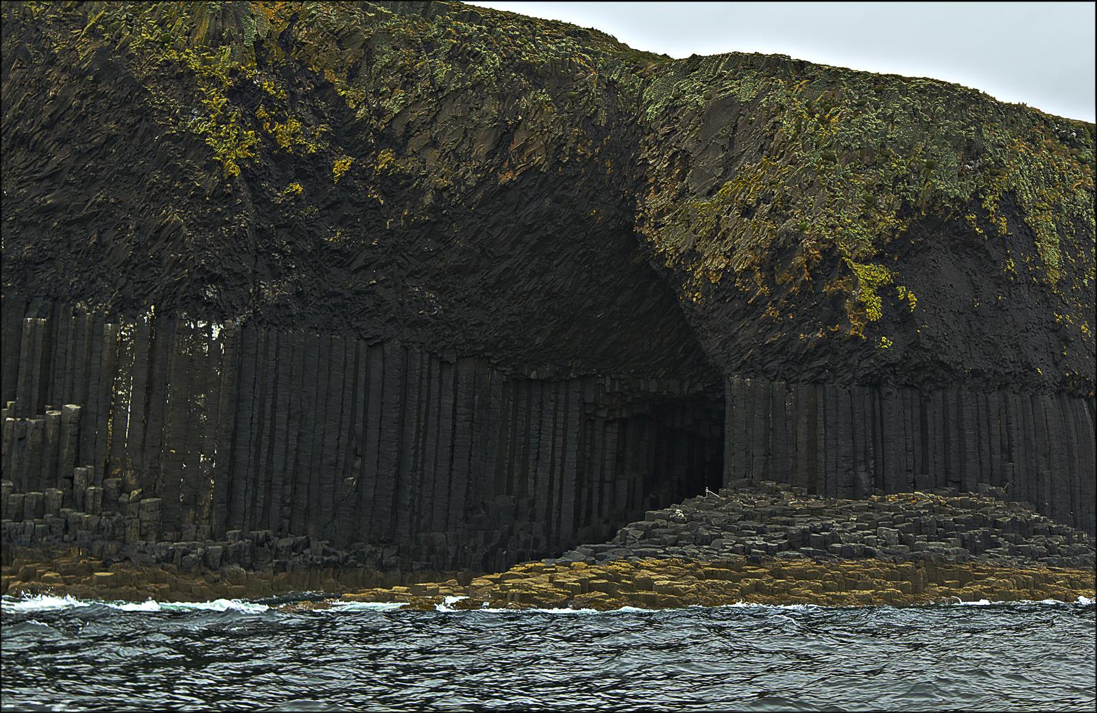 fingal2 Fingals Cave and Staffa Coast, Scotland