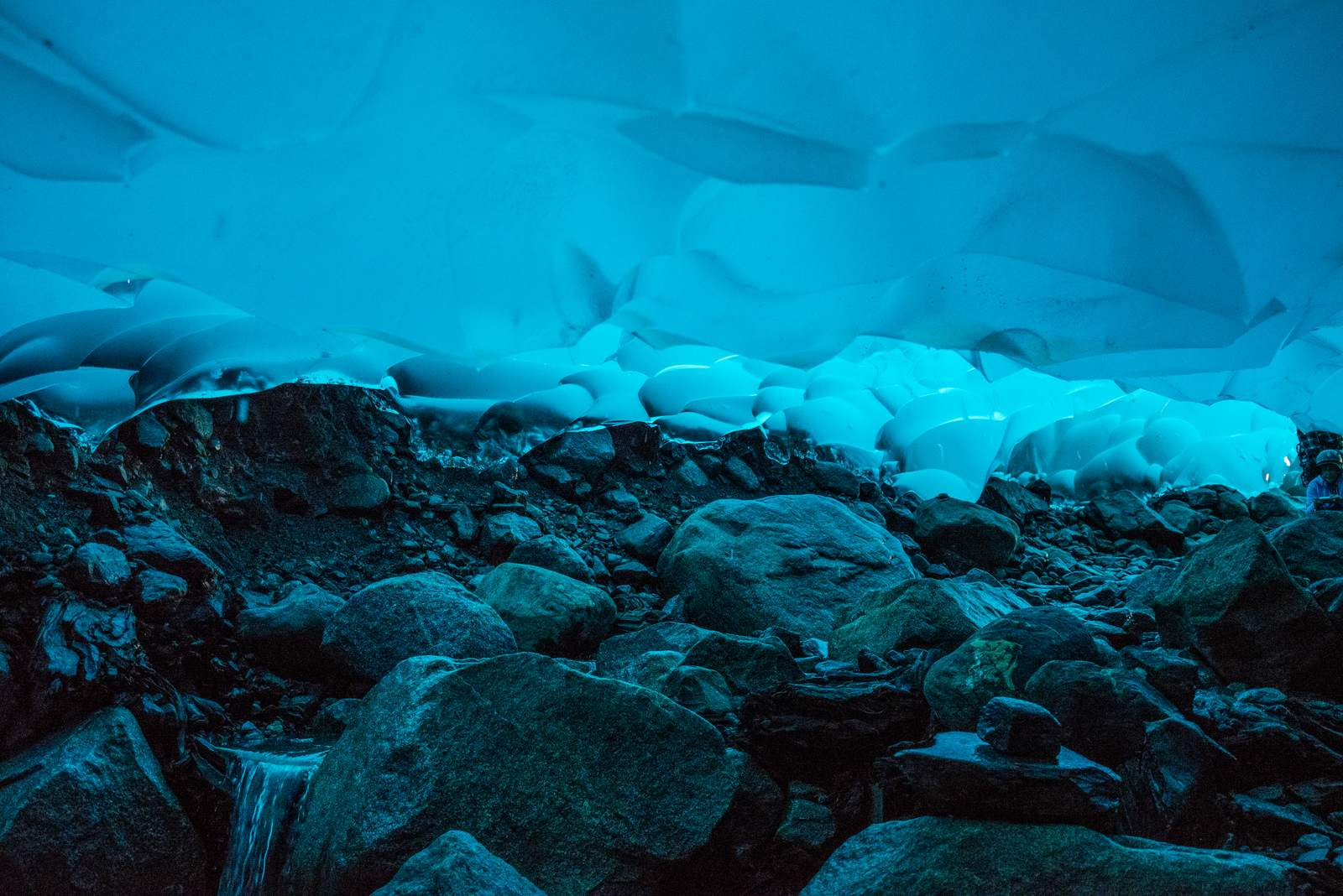 mendenhall1 Ice Caves under the Mendenhall Glacier in Juneau, Alaska