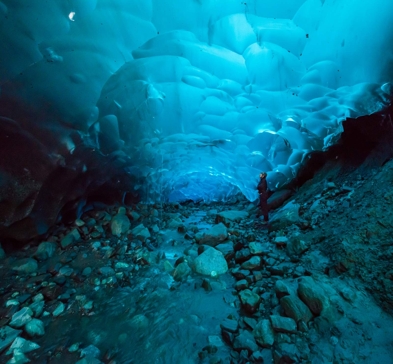 mendenhall4 Ice Caves under the Mendenhall Glacier in Juneau, Alaska