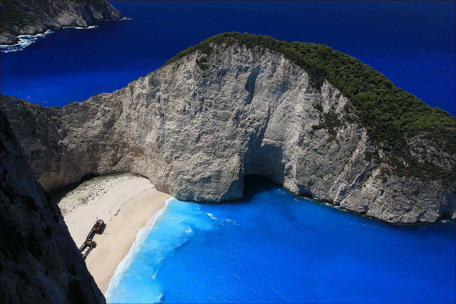 navagio beach1 Most Spectacular Navagio Beach, Zakynthos