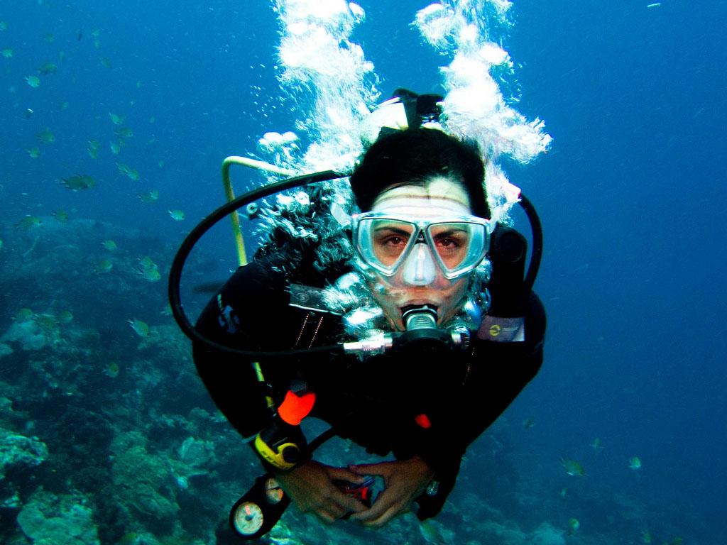 scuba diving16 Scuba Diving in Beatiful Waters of Indonesia