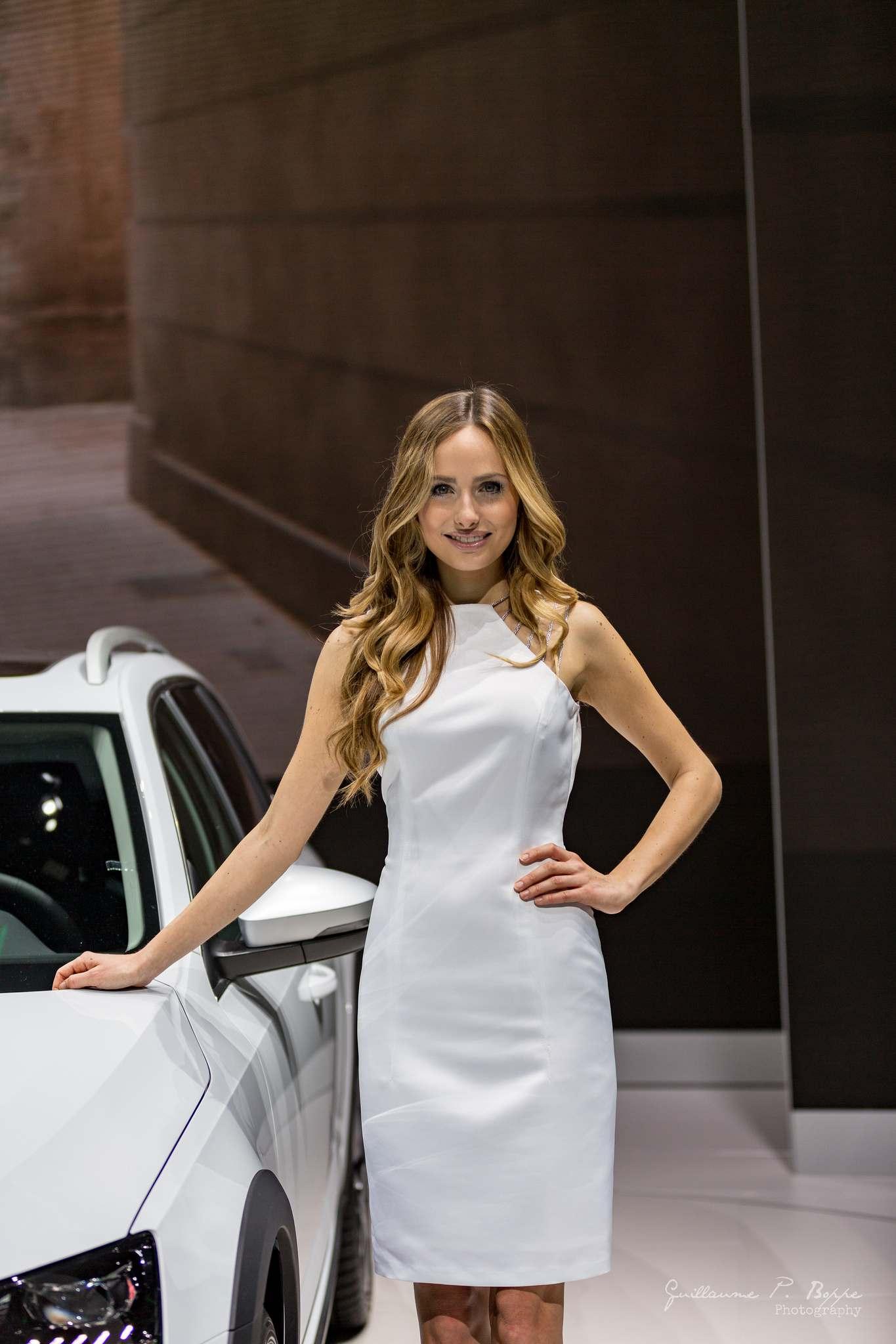 sexy hostess10 Beauty at Geneva International Motor Show 2017