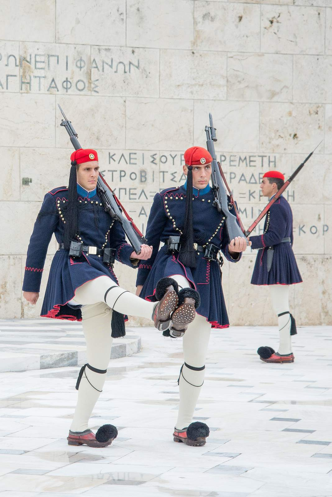changing guards1 The Changing of Guards in Athens