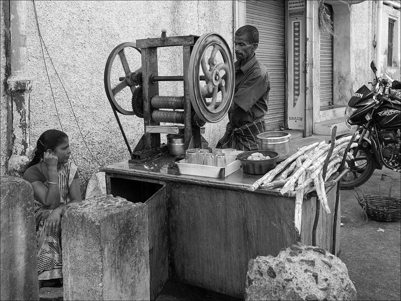 people india10 Daily Life of People in India   Black and White