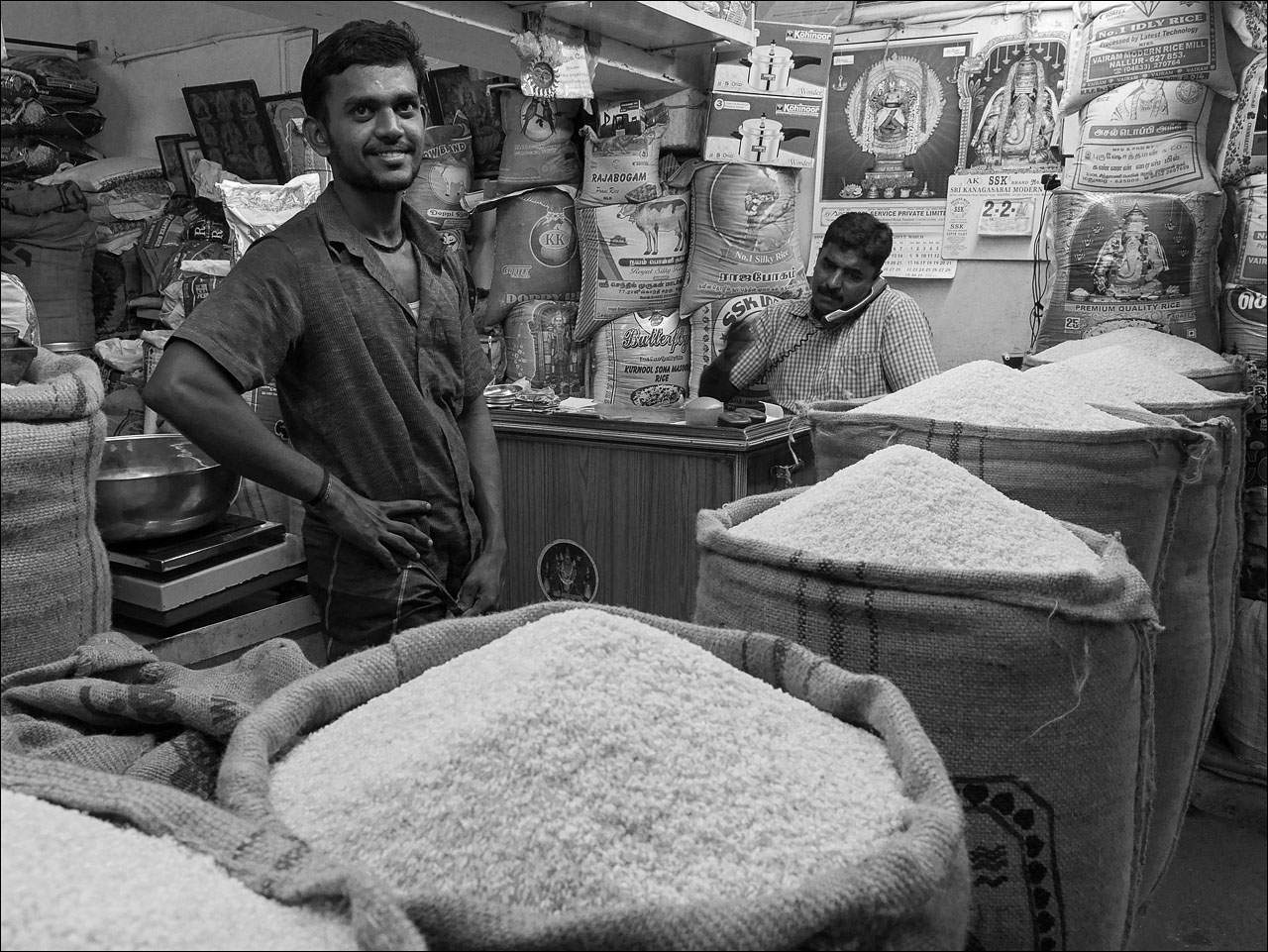 people india15 Daily Life of People in India   Black and White