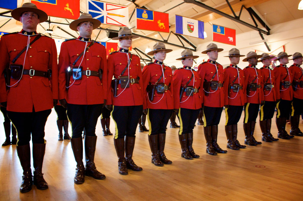 royal canadian mounted police12 The Royal Canadian Mounted Police (Mounties)
