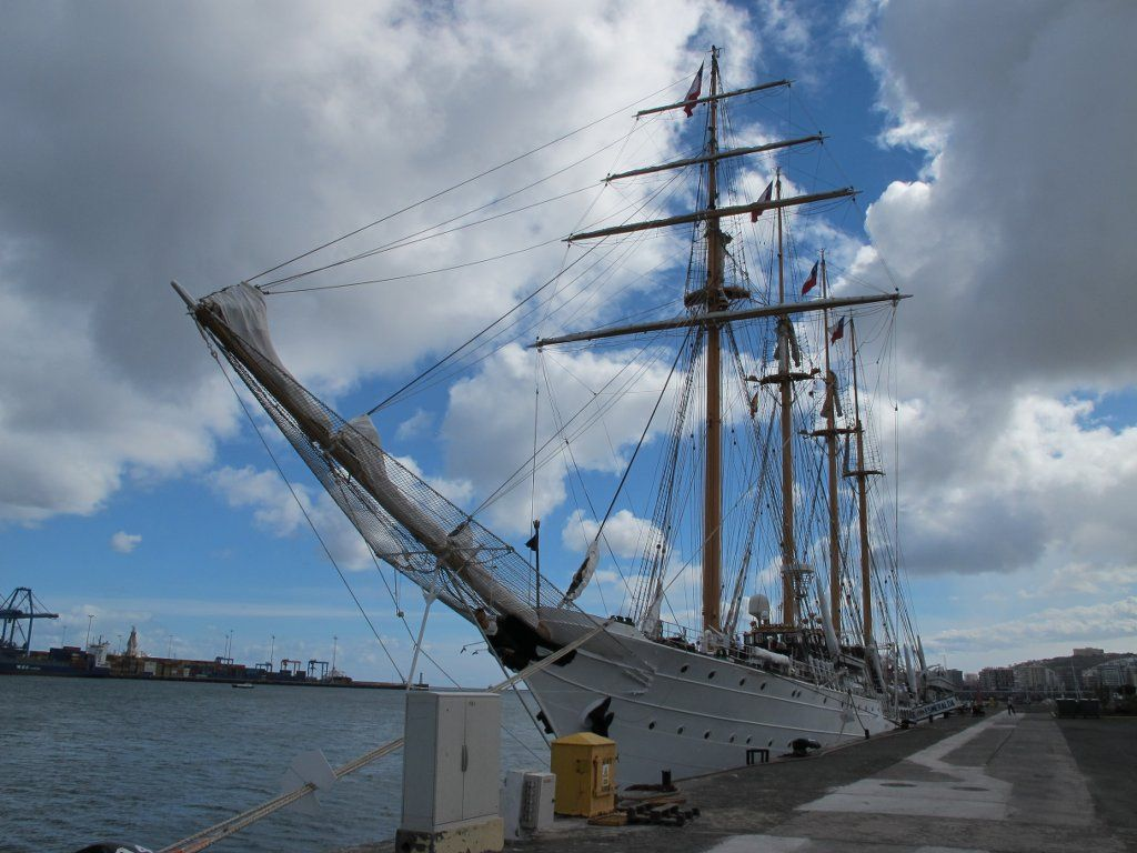esmeralda Esmeralda   The Second Tallest and Longest Sailing Ship in the World