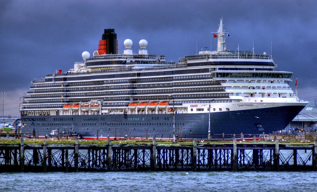 her majesty cunards queen 2 Her Majesty, Cunards Queen Victoria