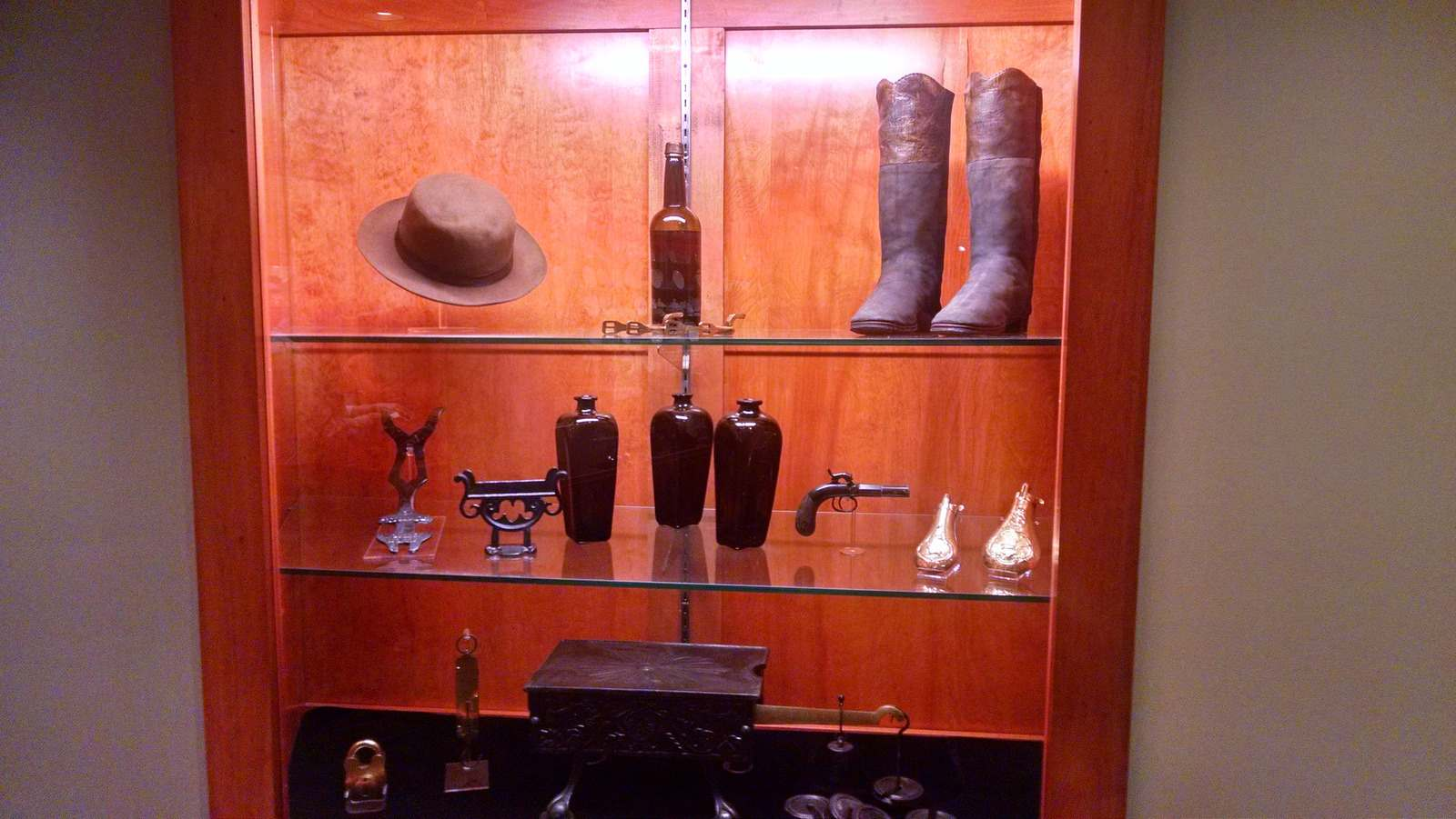 steamboat arabia11 History of Pioneering Midwest   Steamboat Arabia Museum in Kansas City