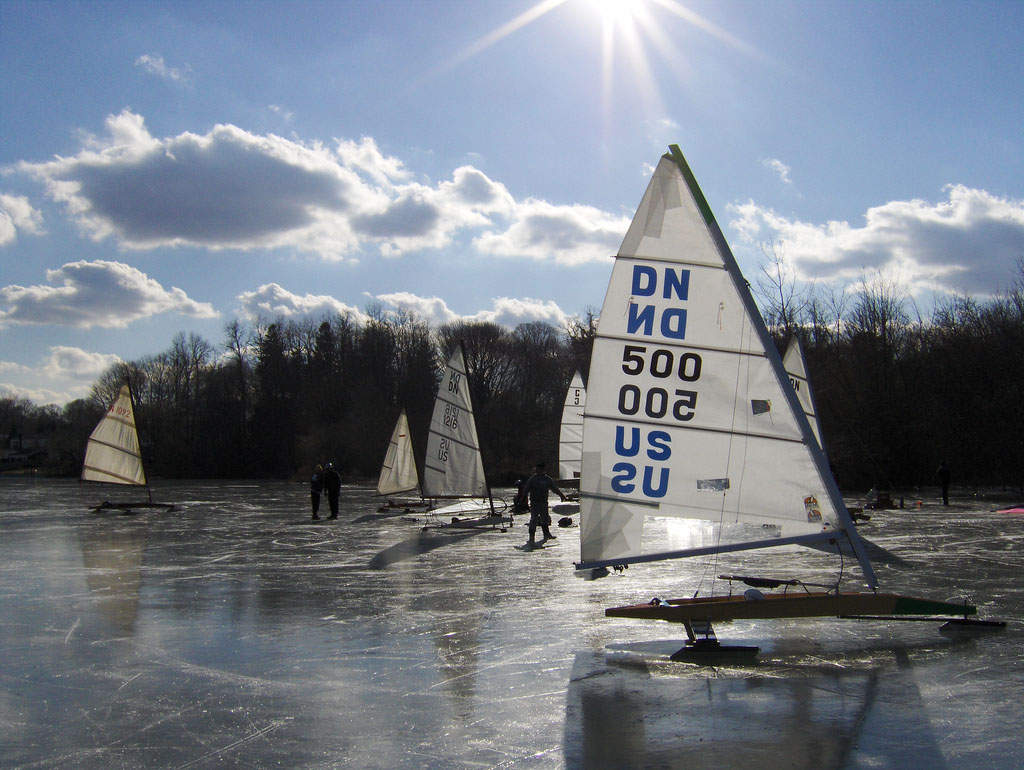 ice boat2 Yachting on a Lake with Ice Boats