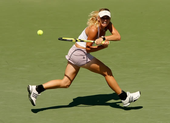 caroline wozniacki photos6 Caroline Wozniacki: No. 1 WTA Tennis Player