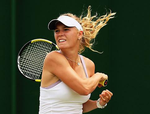 caroline wozniacki photos8 Caroline Wozniacki: No. 1 WTA Tennis Player
