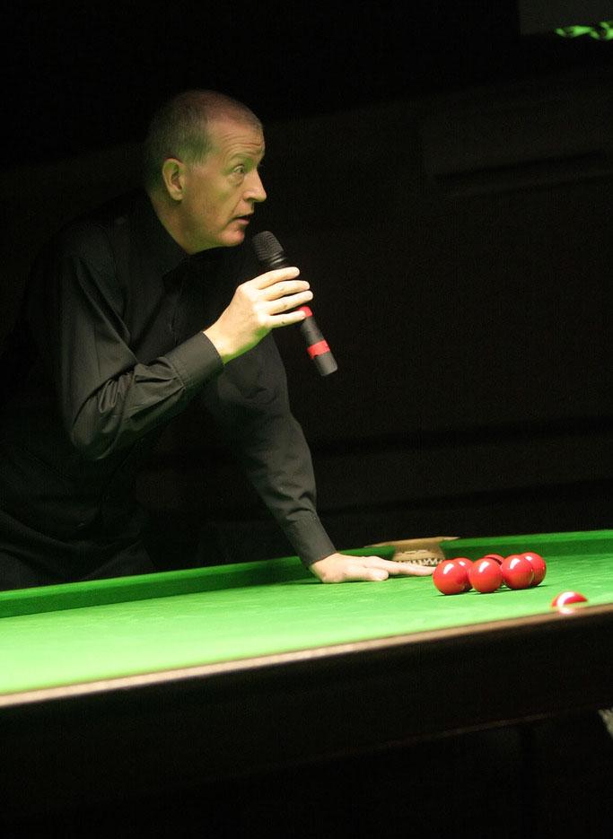 steve davis8 Snooker Legend Steve Davis at Crucible Theatre