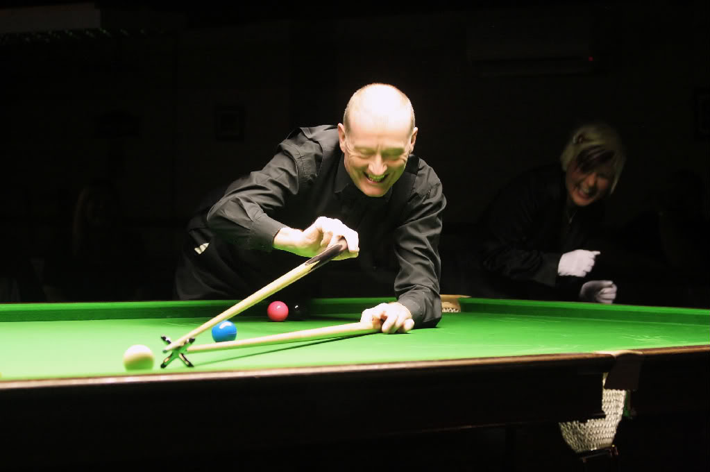 steve davis9 Snooker Legend Steve Davis at Crucible Theatre